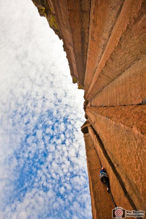 Экстремальные фотографии скалолазов от Бен Херндон (34 фото)