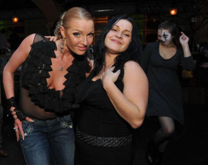 Полуголая Анастасия Волочкова на вечеринке (5 фото)