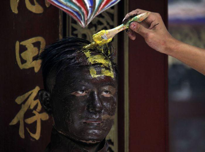 Невидимый человек из Китая (11 фото)
