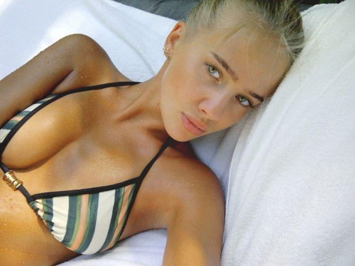 Голая Лена Полено Юлия Захарова без трусов на фото