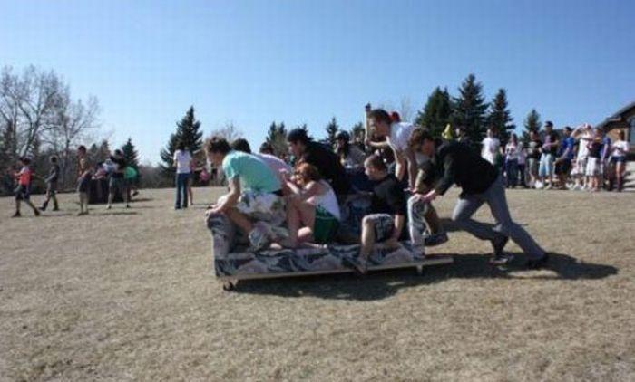 Как отдыхают зарубежные студенты (45 фото)