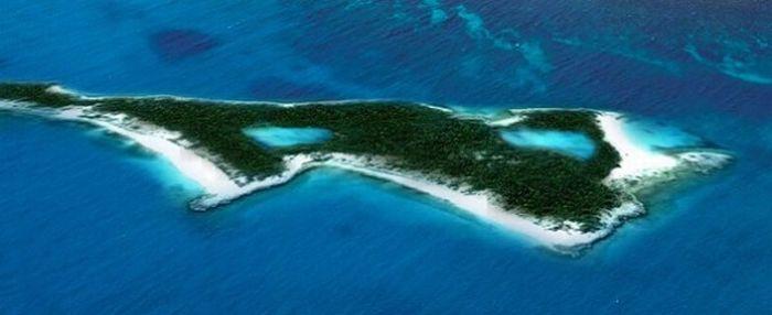 Знаменитости и их острова (27 фото)