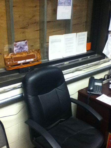 Офисный розыгрыш (9 фото)