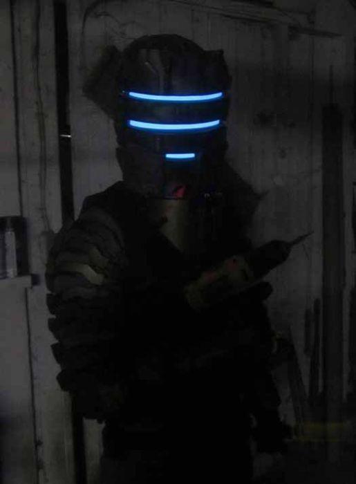 Костюм из игры Dead Space 2 (23 фото)