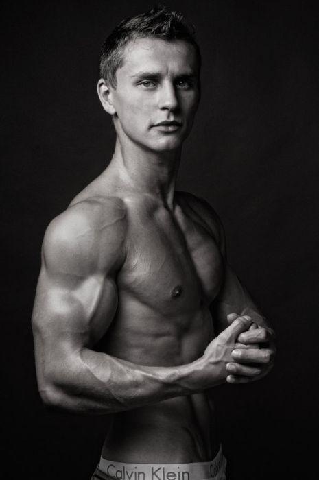 Спортивные мужчины. Часть 2 (80 фото)
