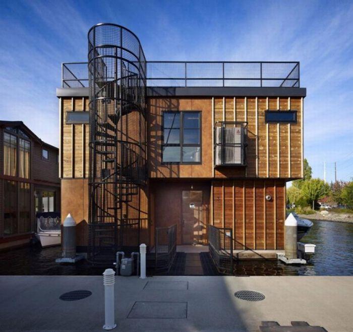 Дом на воде (10 фото)