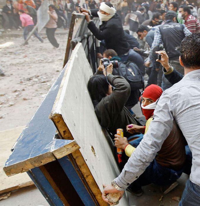 Средства защиты египетских протестантов (26 фото)