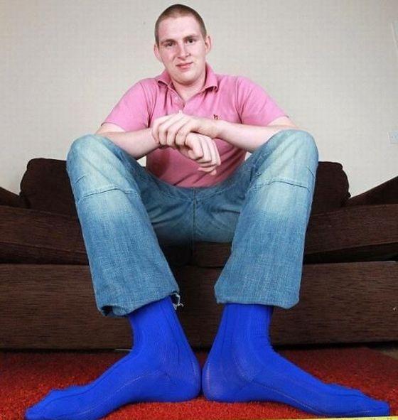 Обладатель самой большой стопы в Британии (6 фото + видео)