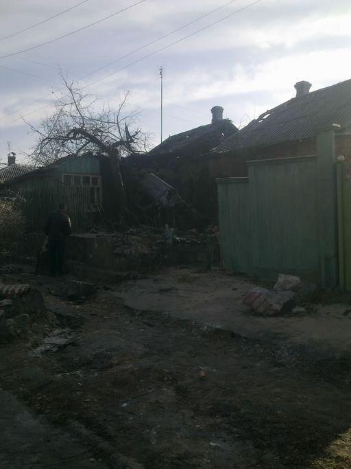 В Кременчуге джип снес дом (4 фото)