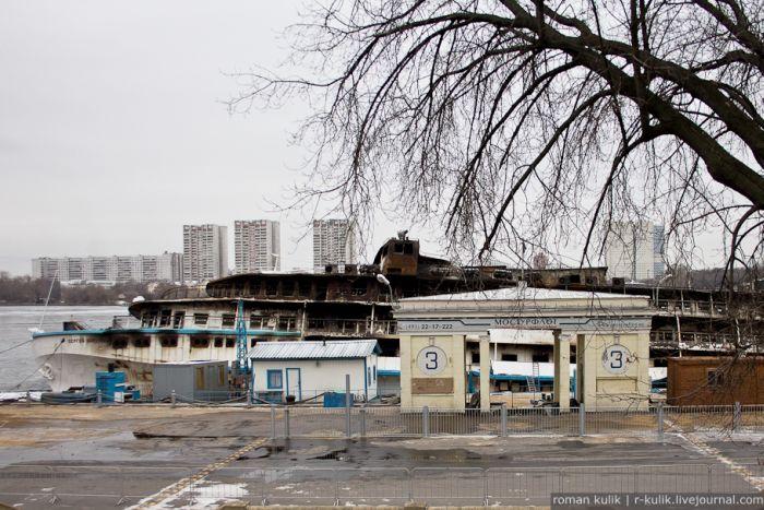 "Теплоход ""Сергей Абрамов"" после пожара (11 фото)"
