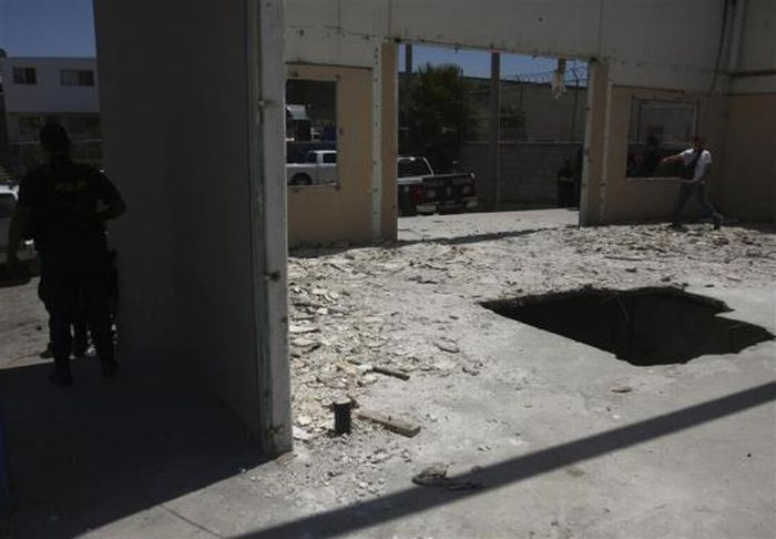 Тоннели мексиканских наркоторговцев (17 фото)