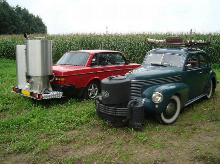 Автомобили, которые ездят на дровах (23 фото)
