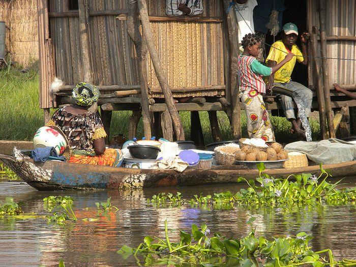 Ganvié - африканская деревня на воде (35 фото)