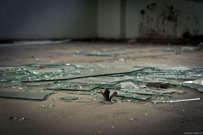 Заброшенная психбольница в Абхазии (42 фото)