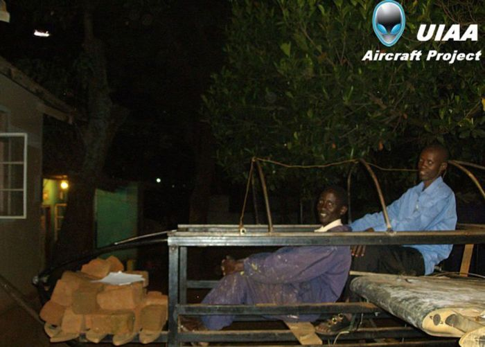 В Уганде строят шаттл (31 фото)