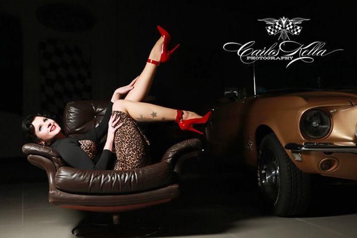 Эротические календари 2012 года (107 фото)