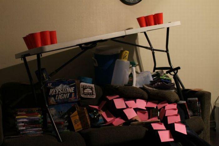 Прикол над пьяным другом (9 фото ...: trinixy.ru/page,1,2,65349-prikol-nad-pyanym-drugom-9-foto.html