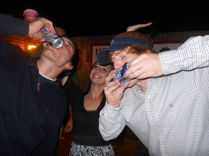 Алкогольные игры (34 фото)