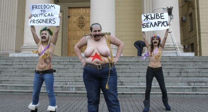 FEMEN у здания КГБ (7 фото + видео)