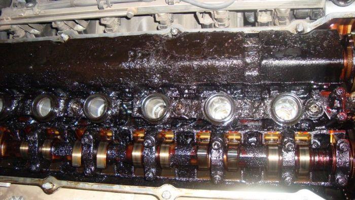 Автомобильные двигатели в ужасном состоянии (82 фото)