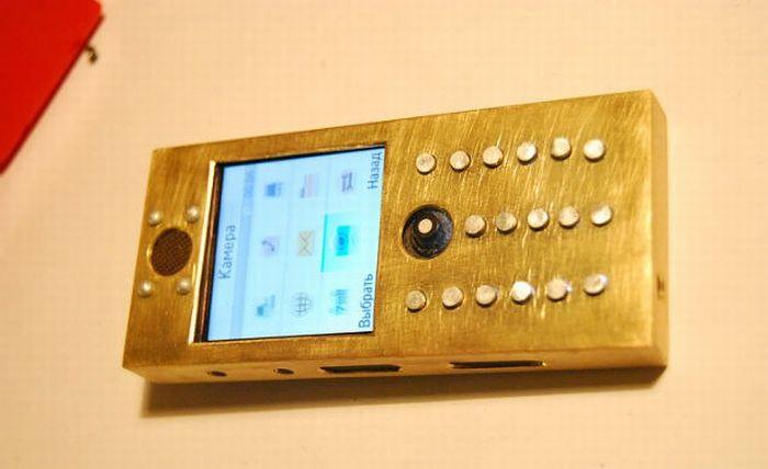 Как рождается стимпанк телефон (15 фото)