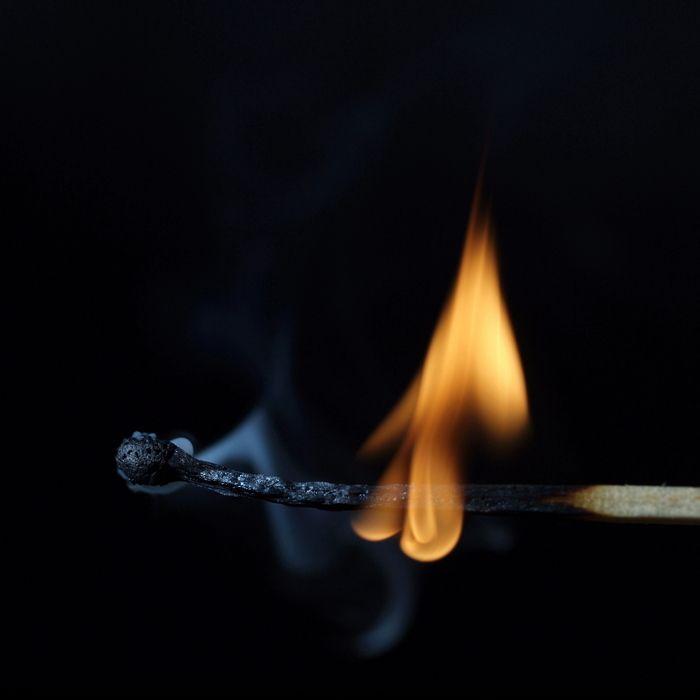 Картины из горящих спичек (24 фото)