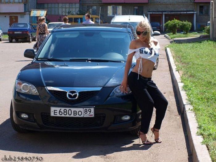 Наши девушки и их автомобили (77 фото)