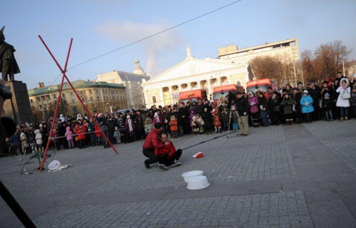 В Воронеже упал канатоходец (7 фото + видео)