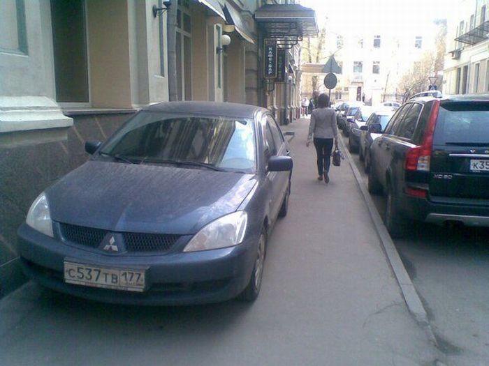 Парковка не по правилам (23 фото)