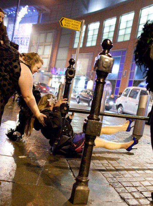 Пьяные уличные девки 2