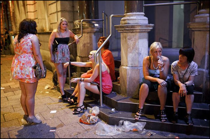 пьяныеженщины на улице фото