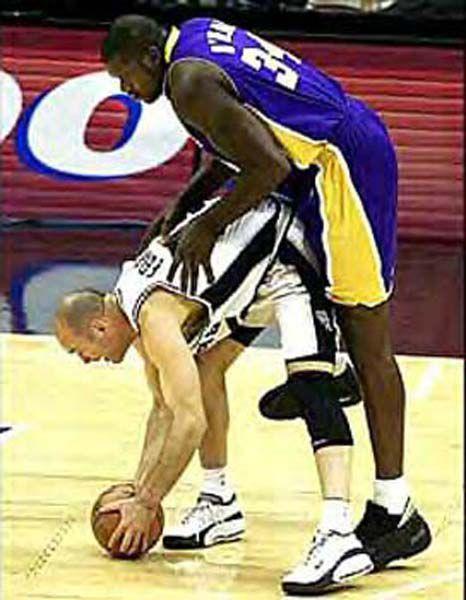 Баскетбольная камасутра (10 фото)