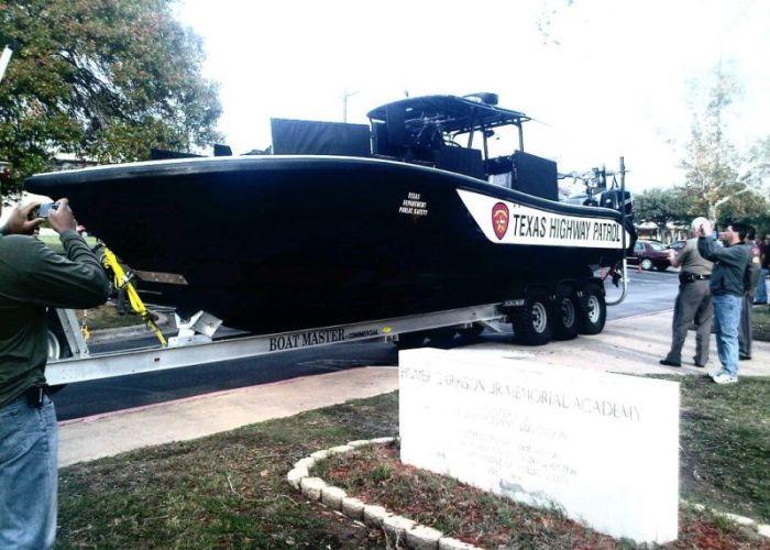 Новая лодка техасских рейнджеров (6 фото + 1 гифка)