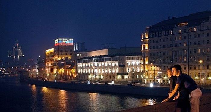 Поцелуи в Москве (28 фото)