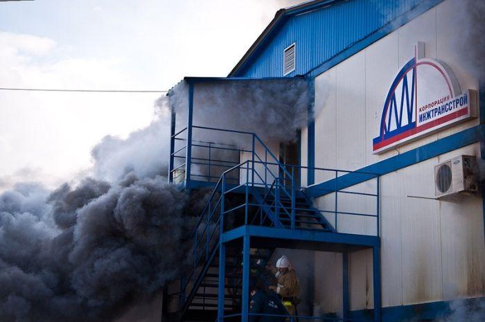 Пожар на Олимпийском объекте в Сочи (18 фото)
