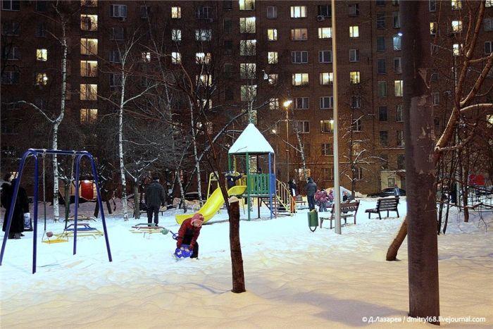 Солнечная энергия на благо дворов Москвы (4 фото)