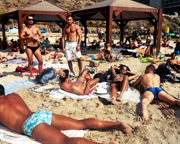 Геи москвы на пляже видео фото 98-779