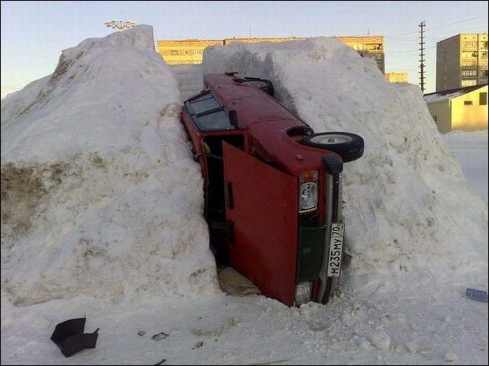 Зимняя парковка (2 фото)