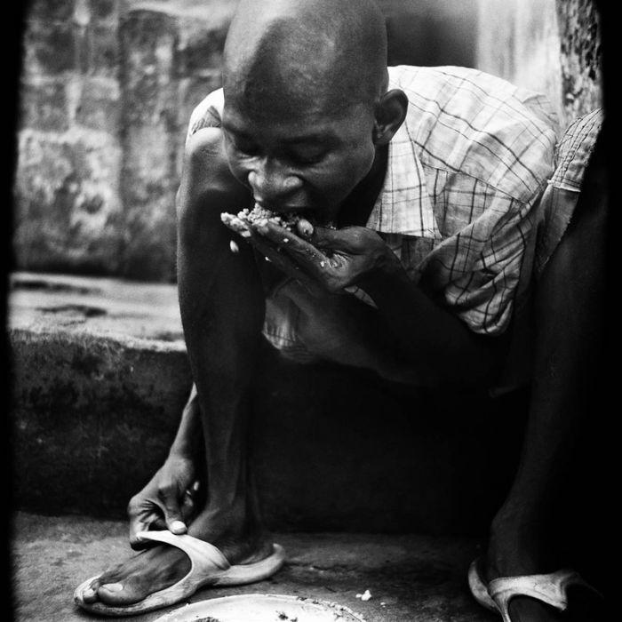 Тюрьмы и больницы в Сьерра-Леоне (63 фото)