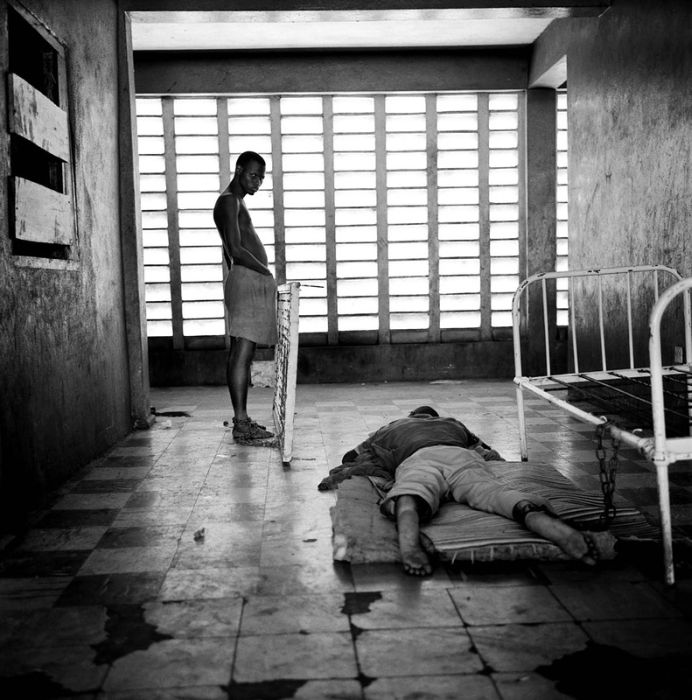 Психиатрические клиники в картинках