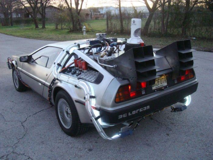 """Автомобиль из фильма """"Назад в будущее"""" (13 фото)"""