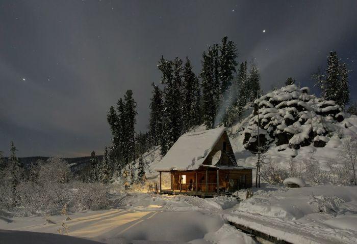 Загородный дом среди деревьев и полной тишины - мечта каждого городского...