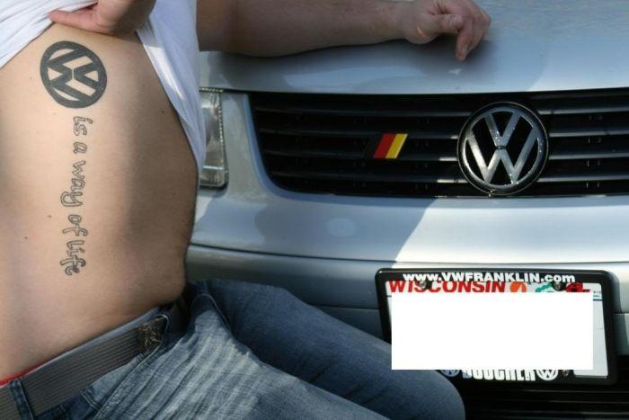 Татуировки в честь автомобиля Volkswagen (23 фото)