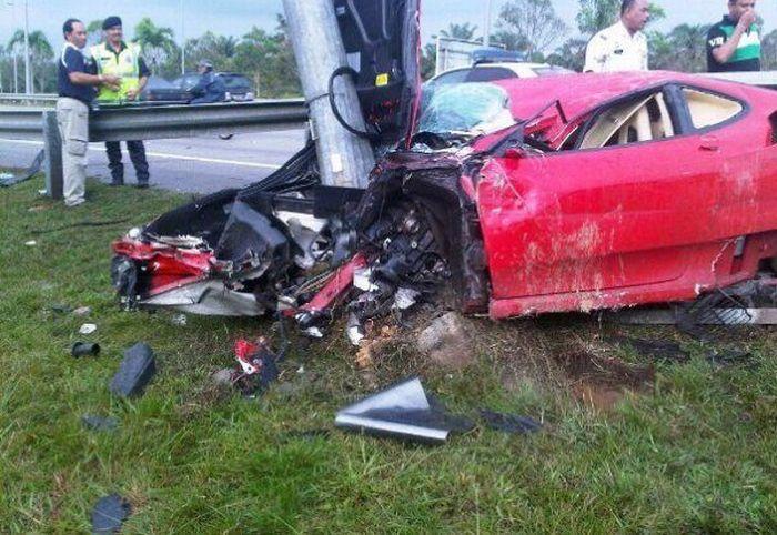 Ferrari F430 разбили на тест-драйве (3 фото)