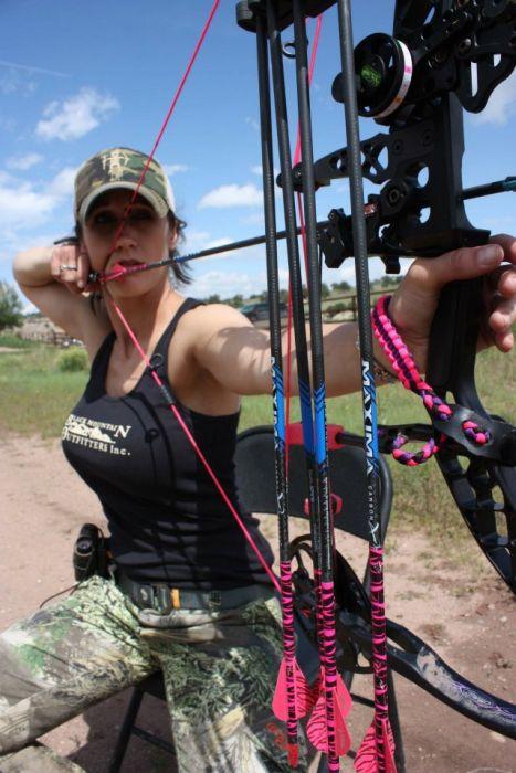 Мелисса Бахман - ведущая передач про охоту (23 фото)