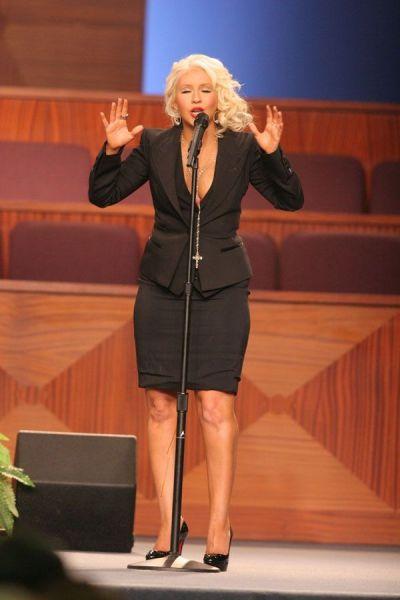 Провальное выступление Кристины Агилеры (14 фото + видео)