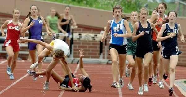 Опасные спортивные моменты (28 фото)