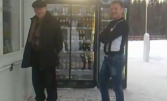 Необычная заправка (видео)