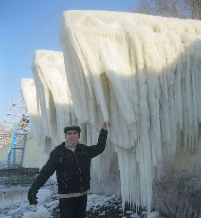 Замерзшее Черное море вКрыму (34 фото)