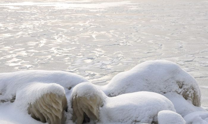 Замерзшее Черное море в Крыму (34 фото)